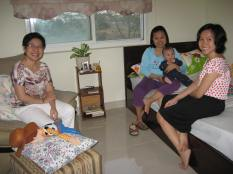 Lam's Mom on the left and the girls and kids.